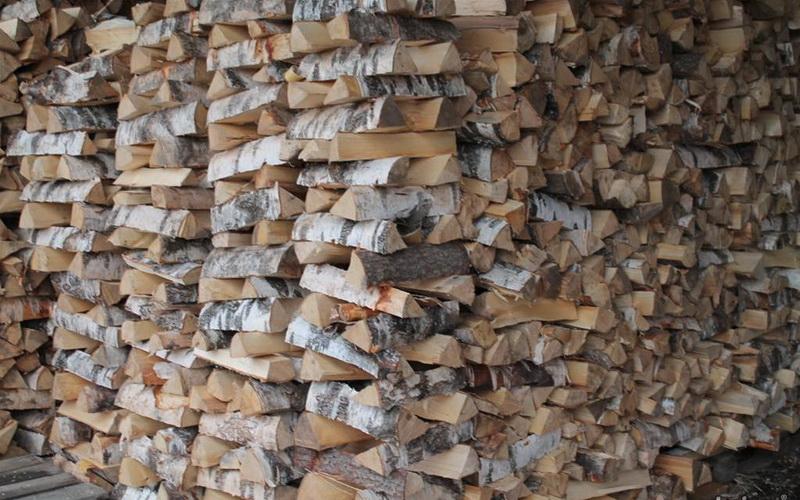 Склад березовых дров
